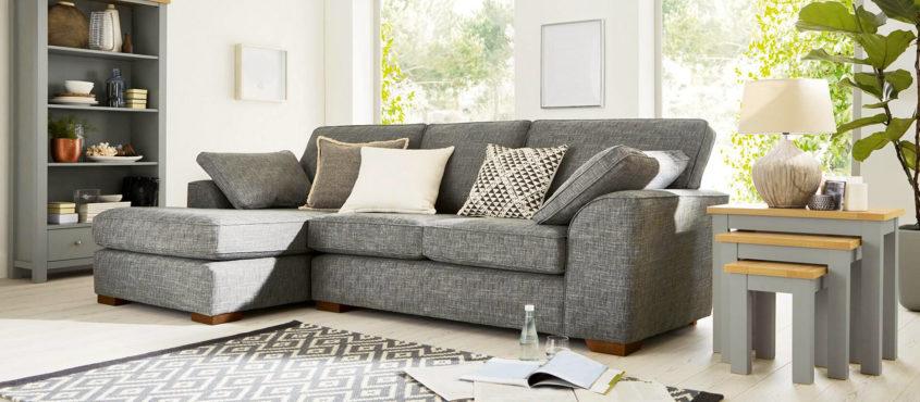 Comment bien choisir le canapé du salon?